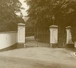 Inverteign_House_Gates